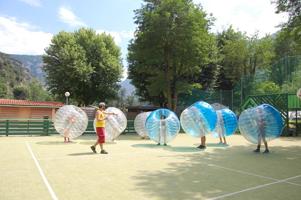 bubble foot au terrain multisport