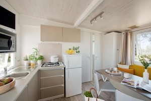 Cuisine-Salon cottage bambou